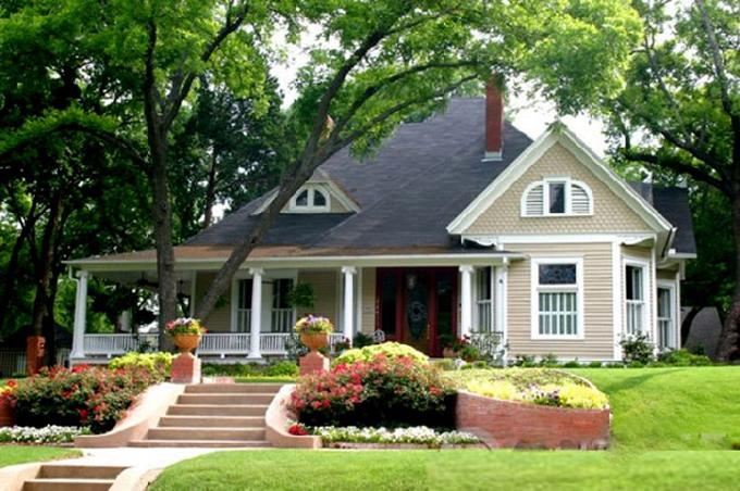 Mẫu thiết kế sân vườn tiểu cảnh nhà biệt thự đẹp đáng sống 5