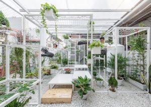Mẫu vườn sân thượng với không gian thư giãn xanh mát.04