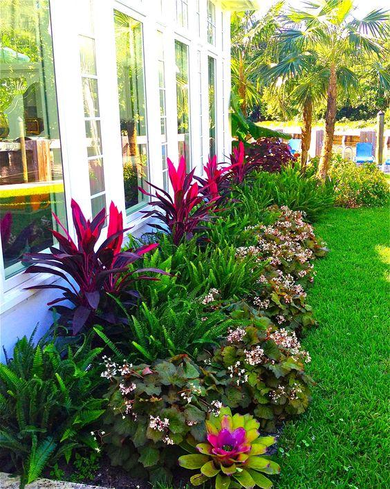 khu vườn kết hợp nhiều loại hoa