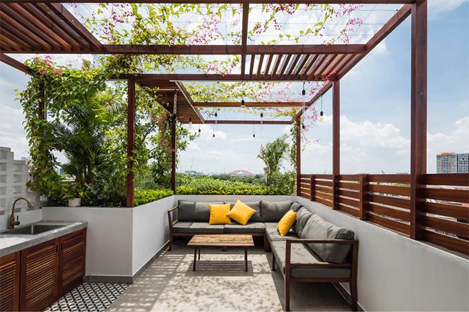 25 Mẫu thiết kế sân thượng vườn nhà phố tuyệt vời nhất 2021 - Mẫu sân thượng 07